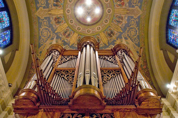 The Gabriel Kney pipe organ in the Chapel of St. Thomas Aquinas.