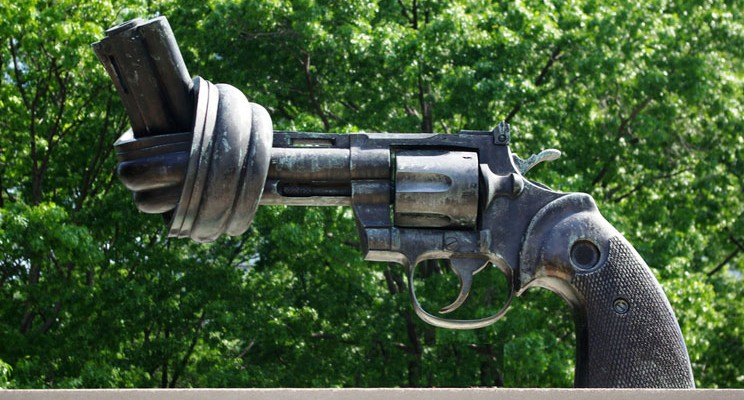 img744-knotted-gun