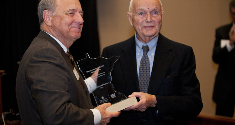 Bruce Dayton inducted into The Minnesota Real Estate Hall of Fame in 2011.
