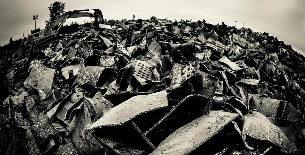 A pile of 35W bridge debris in Afton, Minn on Oct. 14. (Photo by Mike Ekern '02)