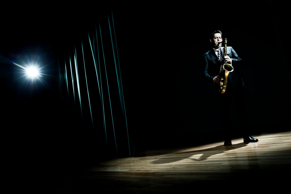 Music faculty member and nationally recorded saxophone player Steve Cole. (Photo by Mike Ekern '02)