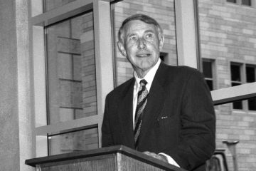 Sabo speaks at the dedication of the Frey Science and Engineering Center in 1997. (Photo by Roger Rich)