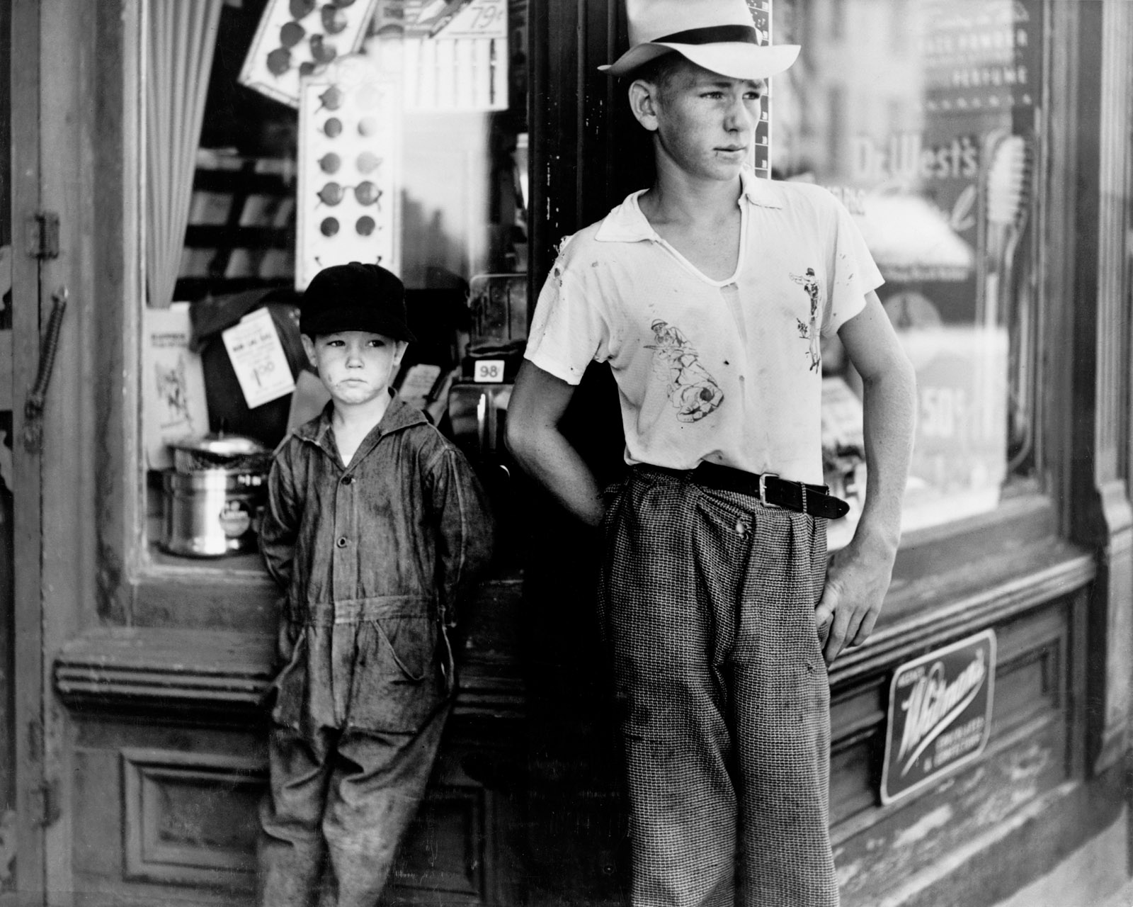 Boys in front of drugstore, Dover, Delaware, July 1938
