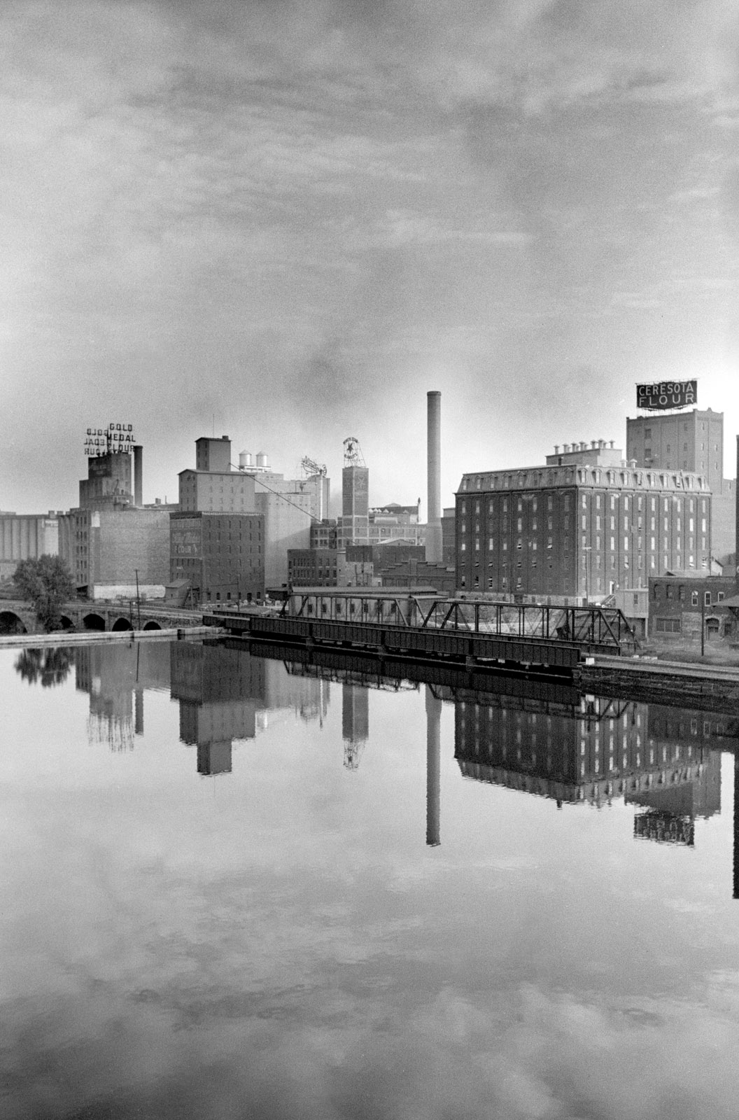 Flour mill district, Minneapolis, September 1939